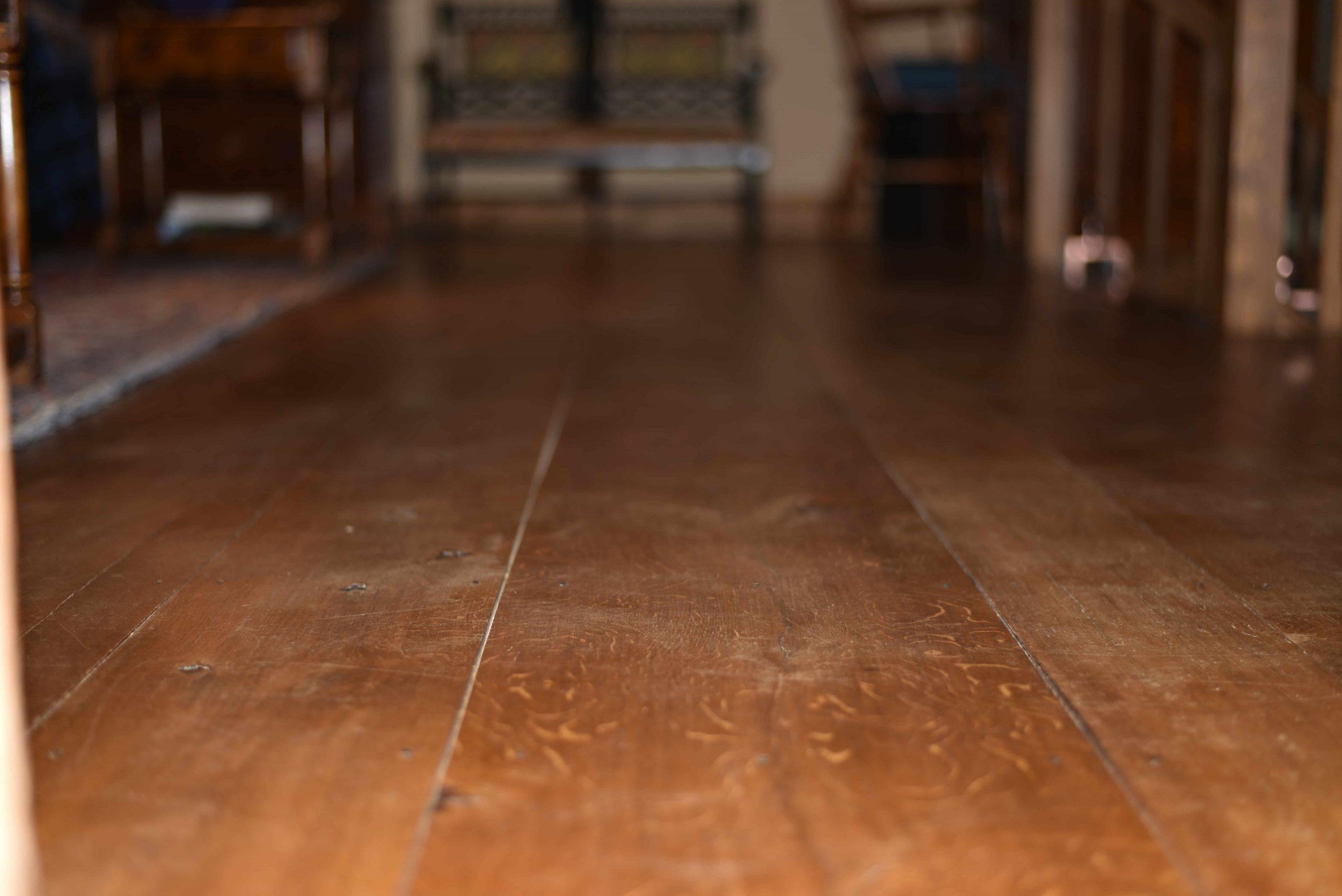 Oak floors installation scaled